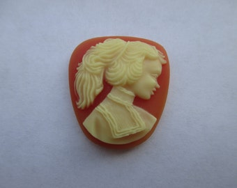 23mm x 20mm Carved Celluloid Cameo. Item:BC818466