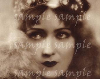 SALE no1037 Instant Download Digital Scan - ANTIQUE Vintage photograph - Queen - Princess - Antique FRENCH Postcard