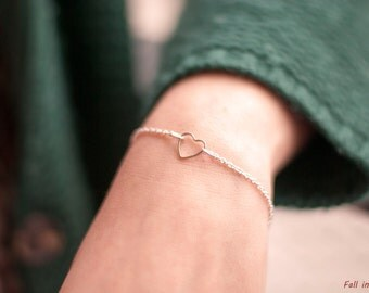 Heart Bracelet. Silver plated Heart Bracelet. Dainty Bracelet. Love Bracelet. Friendship Bracelet.