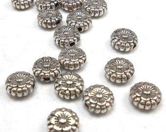 20 Silver Flower Beads 7MM silver tone (H8090)