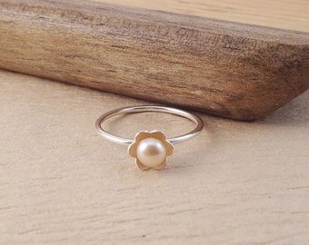 Pearl Flower Stack Ring- Solitaire Pearl Ring - Daisy Pink Pearl Ring - Sterling Silver Stacking Ring - Flower Pearl Jewelry