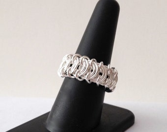 Silver Chainmaille Ring - Chainmail Flat Weave Ring - Statement Ring - Vertebrae Chainmail Ring - Silver-Filled Ring - 514040