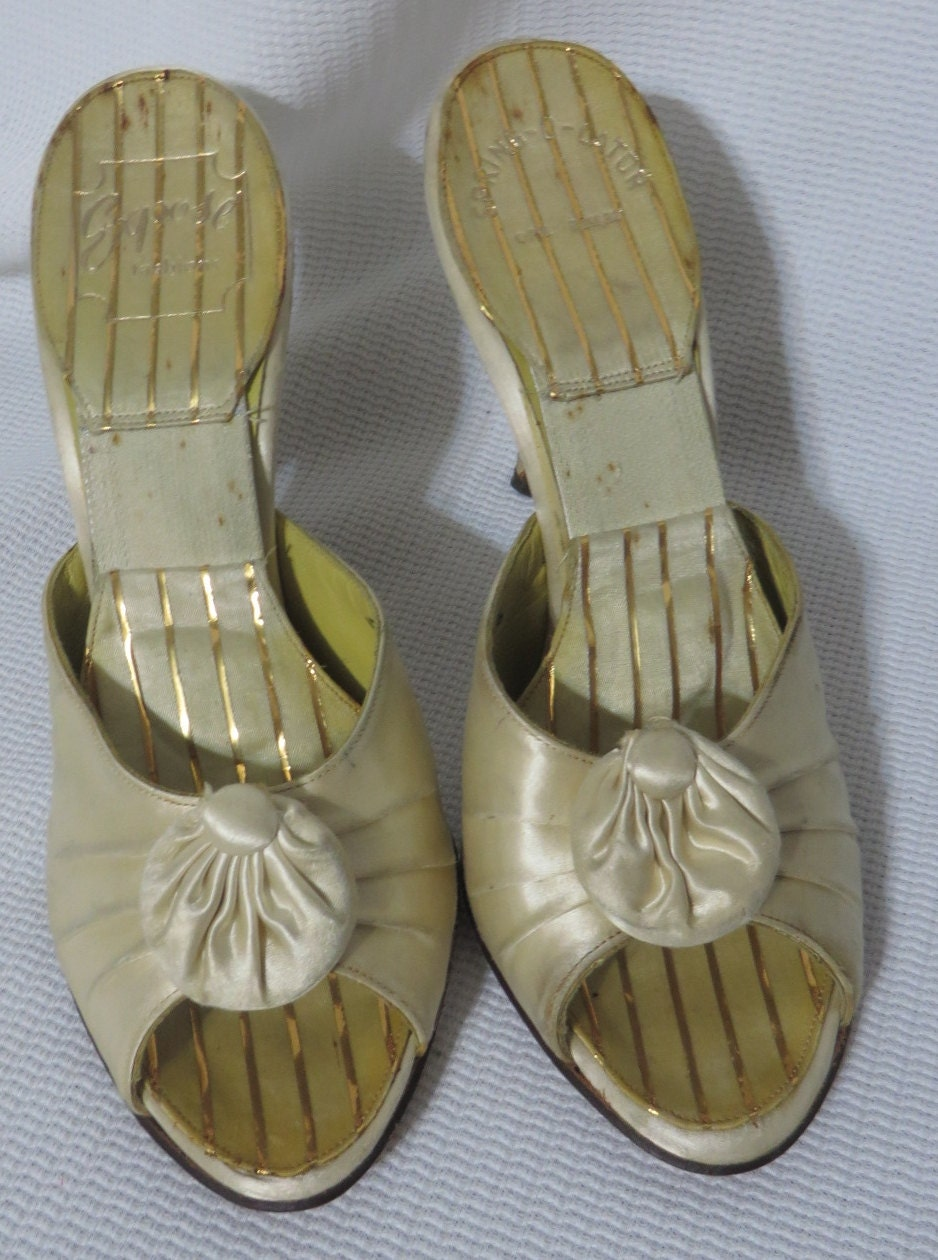 Vintage Spring-O-Later Peeptoe Mule Shoes Cream Satin 1950s