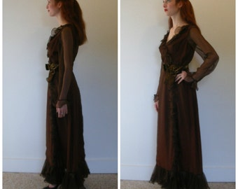 70s brown maxi gown. Full length gown, ruffled organza, sophisticated alt-bridesmaid to party gown. Size S.