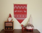 Merry Wall Hanging (Faux Knit) // Christmas Decoration