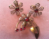 Vintage 1940s Ruby Rhinestones Heart Spray DEMI-PARURE Set Brooch & Earrings