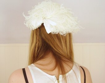 White Feather and Bow Vintage 50s Fascinator Hat - Mad Men - OS OSFM