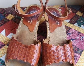 8.5 M Huarache sandal shoe 70s Boho wedge heels