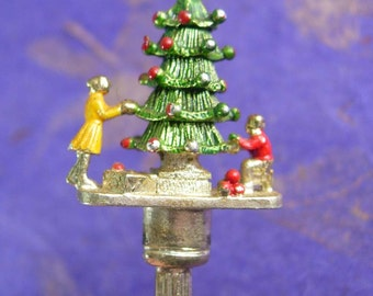 Adorable Christmas miniature tree Spoon Wapw Great Britian Souvenir
