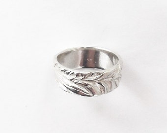 Sterling juniper ring, botanical jewelry, leaf accessory, wedding band