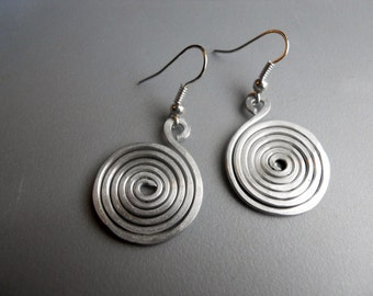 Round Spiral Snake Tribal Scroll Whimsical Hammered Silver Tone Aluminum Earrings v3