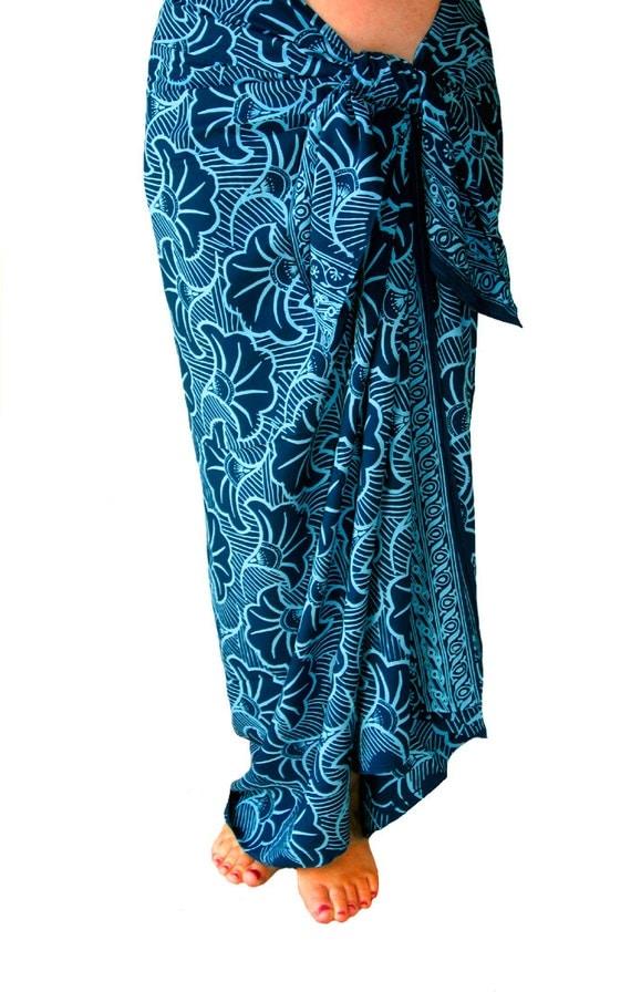 Gingko Leaf Beach Sarong Women's or Men's Clothing Sarong Wrap Skirt - Sarong Cover Up - Batik Pareo - Teal Blue Green Sarong Swimwear