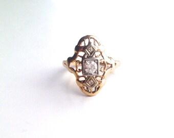 V I N T A G E // 14k art deco filigree / yellow gold with diamond solitaire and accent diamonds / size 5.75