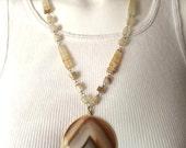 Vintage Jewelry Women's 70's Boho Necklace, Stone, Brown, Cream, Adjustable