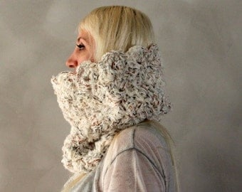 Chunky Cowl- White Cowl Scarf- Ivory Cowl- Winter Scarf- Crochet Scarf- Womens Snood-  White Circle Scarf- Gift for Her- Infinity Scarf