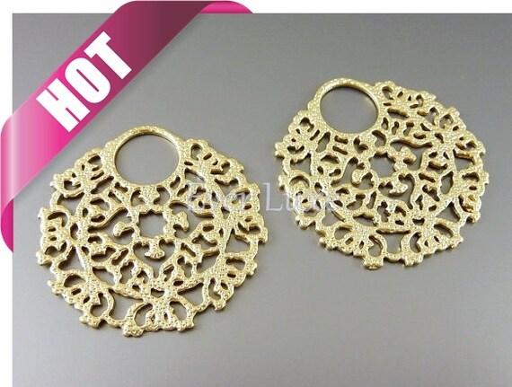 TOP selling item / 2 Large round elegant filigree pendants, jewelry pendants, in matte gold 1261-MG