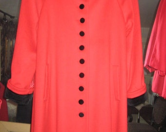 FREE SHIPPING Vintage Red Wool Coat Velvet Trim Size 6
