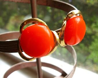 Orange Earrings, Gold Earrings Orange Flowers Plastic Earrings, Button Earrings, 60s Earrings, Clip On Earrings, Bold Flower Earrings
