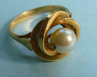 18k European Cultured Pearl Spinner Ring 40s tlc