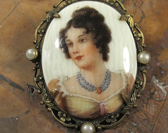 Painted Porcelain CAMEO Pin Brooch VINTAGE Porcelain Ceramic Pearl Beads Filigree Beautiful Lady Cameo Vintage Jewelry Destash (N11)