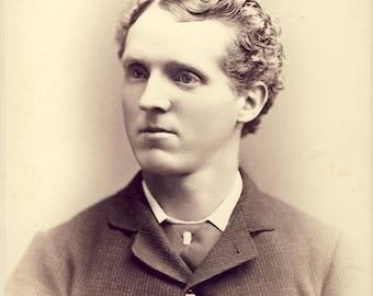 Curly Hair Man With STYLISH HAIRCUT Cabinet Card Photo Circa 1890s Portland Oregon