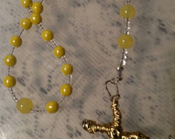 R123 Anglican Rosary Yellow Glass