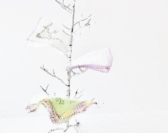 Vintage Ladies Hanky Lot - Crochet Trim Handkerchiefs -Dainty Pastel Hankies - Shabby Chic Accessories - Bridal Baby Shower Decorating