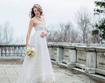 Vintage Off White Lace Strapless Wedding Dress - Vintage Wedding Dress - Bridal Gown - Formal Wear -