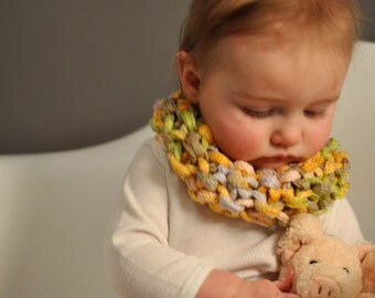 Easy Knitting Pattern Baby Girl Toddler Cowl Scarf / Spring Pink Yellow Green Infinity Cowl Scarf / Drool Catcher Teething Bib/Digital PDF