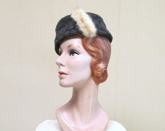 Vintage 1950s Hat / 50s Gray Wool Pillbox Hat Fur Trim