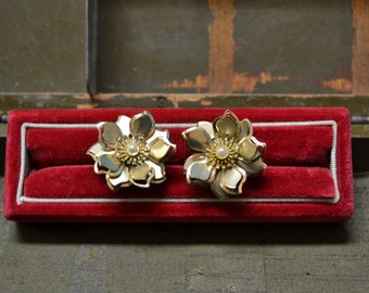 1960s Flower Clip Earrings
