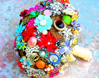 Brooch Bouquet Vintage Broach Wedding Bouquet, Deposit only