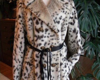 On the wild side leopard faux fur coat/jacket/stroller