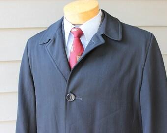 vintage 1950's -Robert Hall- Men's Top coat. Black worsted wool gabardine - Water repellant. Large - 42 + Regular