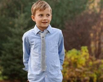 Boys Necktie gray tie hand knit