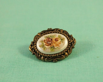 Victorian Look With Flower Picture Pin