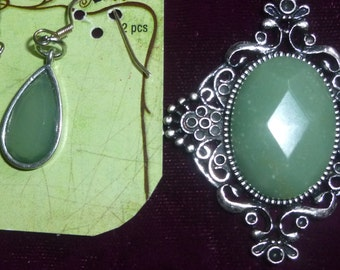REDUCED -Moss Green Pendant and Earrings on 19 inch chain