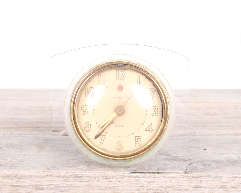 Vintage Electric Clocks 115