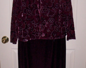 Vintage Ladies Plum Velvet Dress by Miss Dorby Petite Size 10 P Only 6 USD