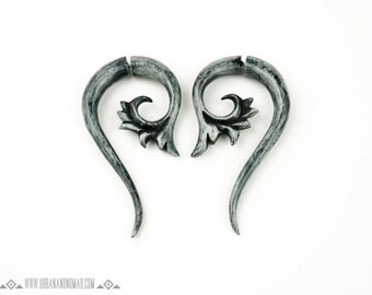 Fake Gauge Drop Earrings Grey Flower Dyed Bone Earrings Tribal Boho Earrings - Gauges Plugs Bone Horn - FG012 GDB G1