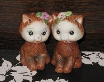 Vintage Kitty Cat Salt and Pepper Set Ceramic Sweet Kitties