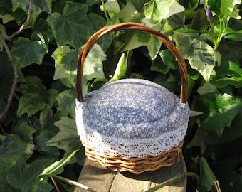 Vintage Basket Pincushion Blue Calico Fabric Top - Pins, Needles, Sewing   - Sewing Notion - Sewing Tool