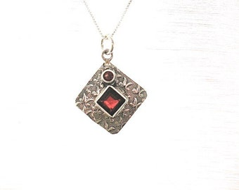 garnet jewelry, sterling silver garnet pendant necklace, square silver and  garnet jewelry, birthstone january, small pandant