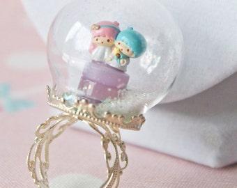 Special Edition: Miniature Little Twin Stars Kiki and La La Glass Snow Globe Ring Terrarium
