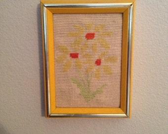 Vintage Daisy Needlepoint