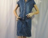 Size large denim straight dress, TOMMY JEANS blue and fade denim dress, short sleeves, drop waist band, great condition casual dress......D