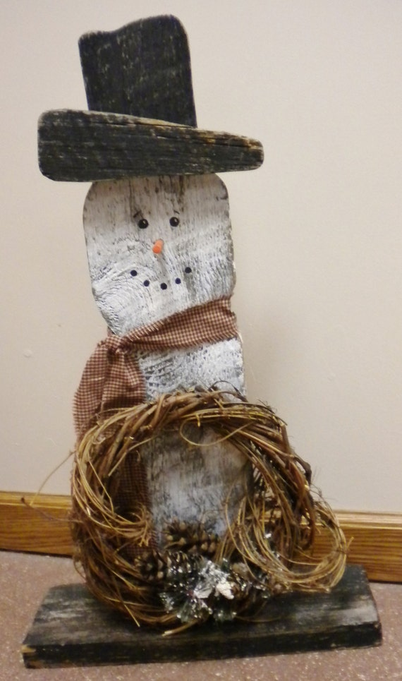 Best 28 primitive snowmen barn boards and diy for Lowes motor speedway christmas lights