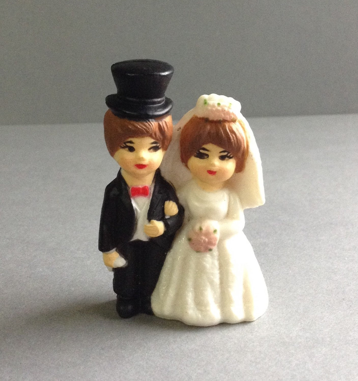 mini you wedding cake toppers mini and groom wedding cake topper decoration 17438