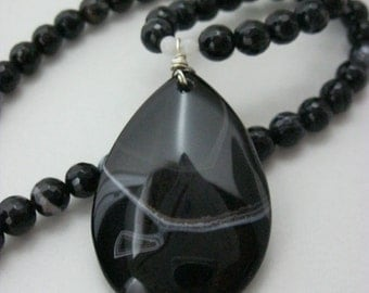 Brazilian Agate Necklaces & Jewelry, Black Necklaces, Reversible Necklace, Large Big Necklaces