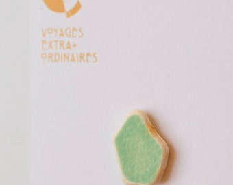 Green mint pottery shards magnet, Green pastel ceramic magnet, single magnet, unique mosaic magnet, gift for him her, kitchen decor gift